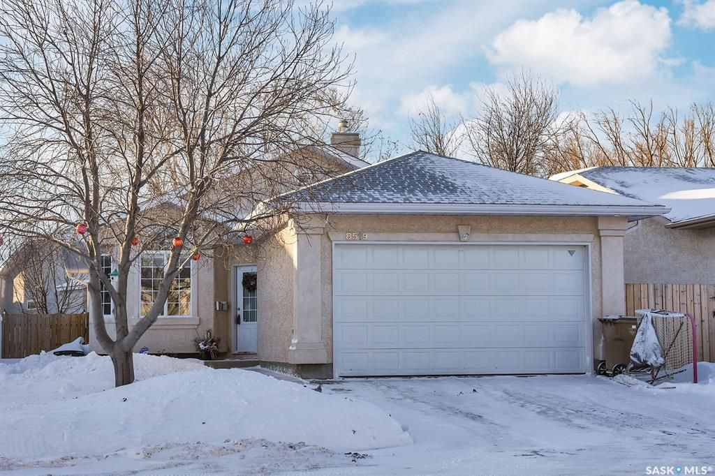 Main Photo: 8519 Rever Drive in Regina: Westhill Park Residential for sale : MLS®# SK841352