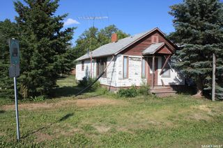 Photo 2: 701 Railway Avenue in Colonsay: Residential for sale : MLS®# SK844535
