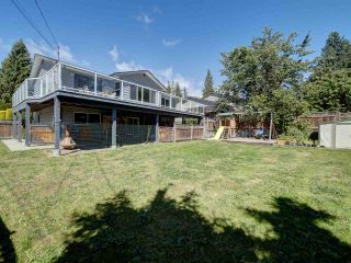 """Photo 1: 6345 ORACLE Road in Sechelt: Sechelt District House for sale in """"West Sechelt"""" (Sunshine Coast)  : MLS®# R2468248"""