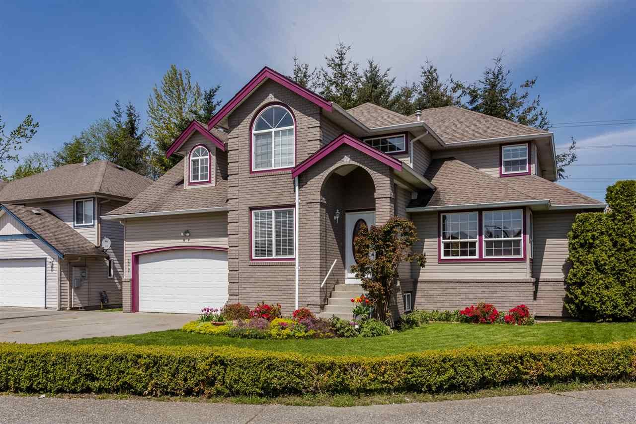 Main Photo: 30707 SAAB Place in Abbotsford: Abbotsford West House for sale : MLS®# R2162173