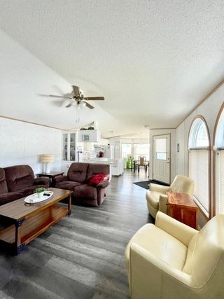 Photo 4: 111 Glendale Bay in Brandon: North Hill Residential for sale (D25)  : MLS®# 202123778