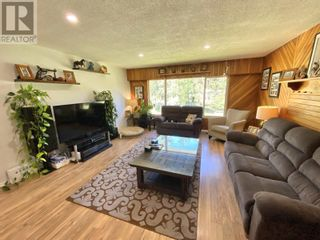 Photo 14: 3302 RED BLUFF ROAD in Quesnel: House for sale : MLS®# R2595855