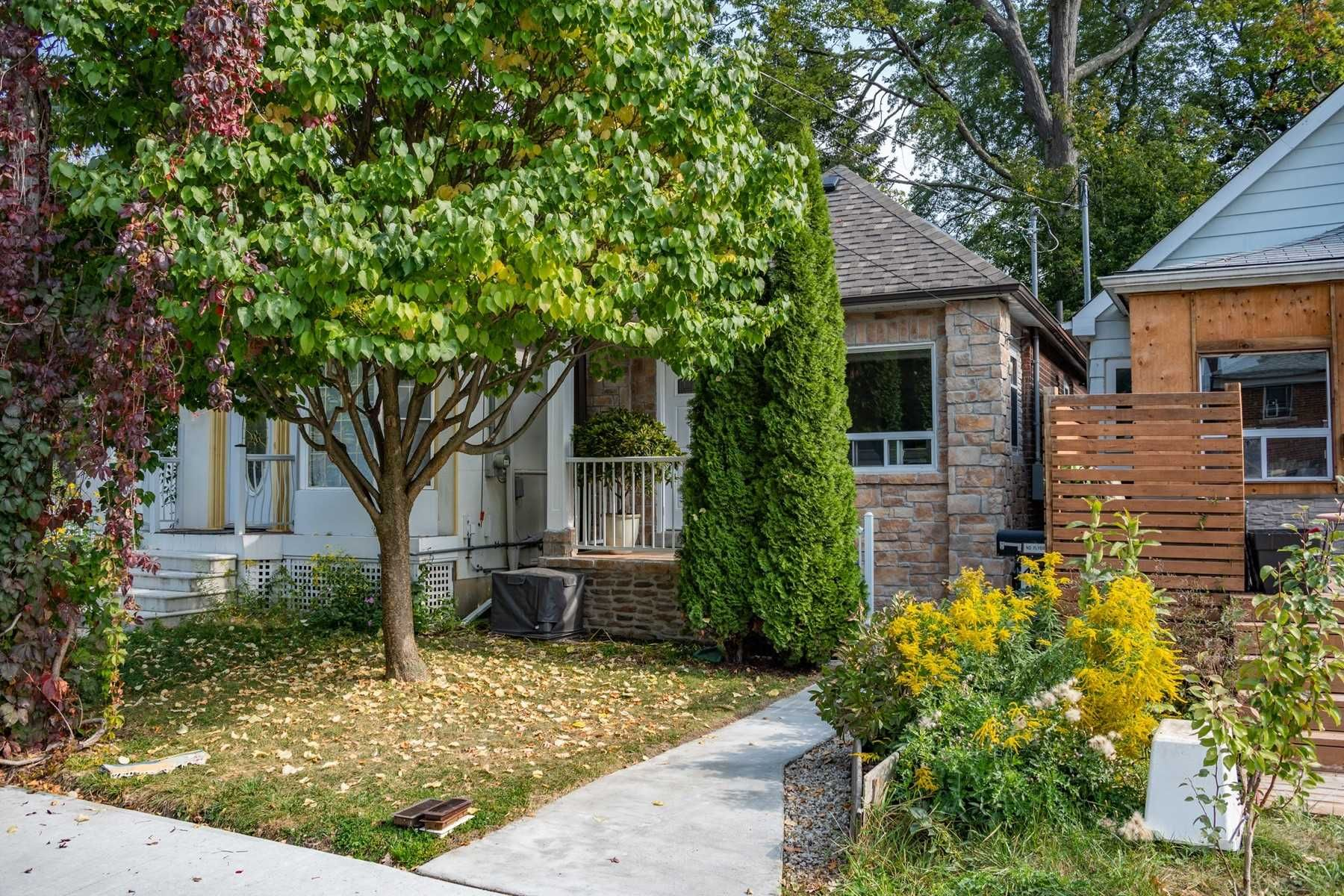 Main Photo: 41 Mcdonald Avenue in Toronto: Oakridge House (Bungaloft) for sale (Toronto E06)  : MLS®# E4932098