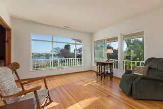 Photo 9: OCEANSIDE House for sale : 3 bedrooms : 2020 Stewart Street