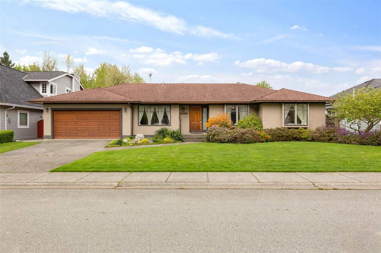 Main Photo: 21405 THORNTON AVENUE in Maple Ridge: West Central House for sale : MLS®# R2575037