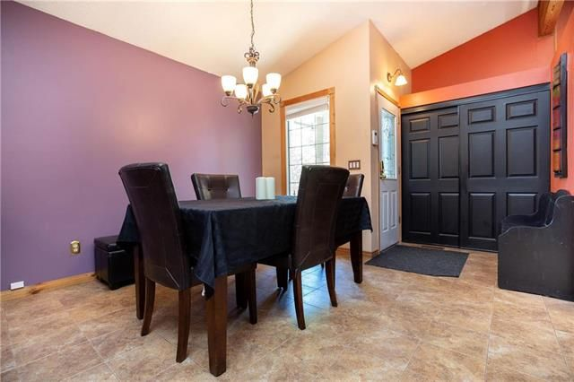 Photo 2: Photos: 246 Tufnell Drive in Winnipeg: River Park South Residential for sale (2F)  : MLS®# 1918544