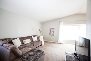 Photo 2: 129 Laurent Drive in Winnipeg: Richmond Lakes Residential for sale (1Q)  : MLS®# 1811424