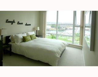"""Photo 5: 1205 455 BEACH Crescent in Vancouver: False Creek North Condo for sale in """"PARK WEST ONE"""" (Vancouver West)  : MLS®# V773945"""