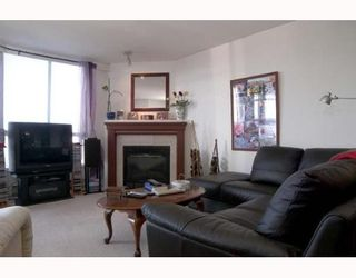 """Photo 5: 801 1235 QUAYSIDE Drive in New_Westminster: Quay Condo for sale in """"THE RIVIERA"""" (New Westminster)  : MLS®# V635922"""
