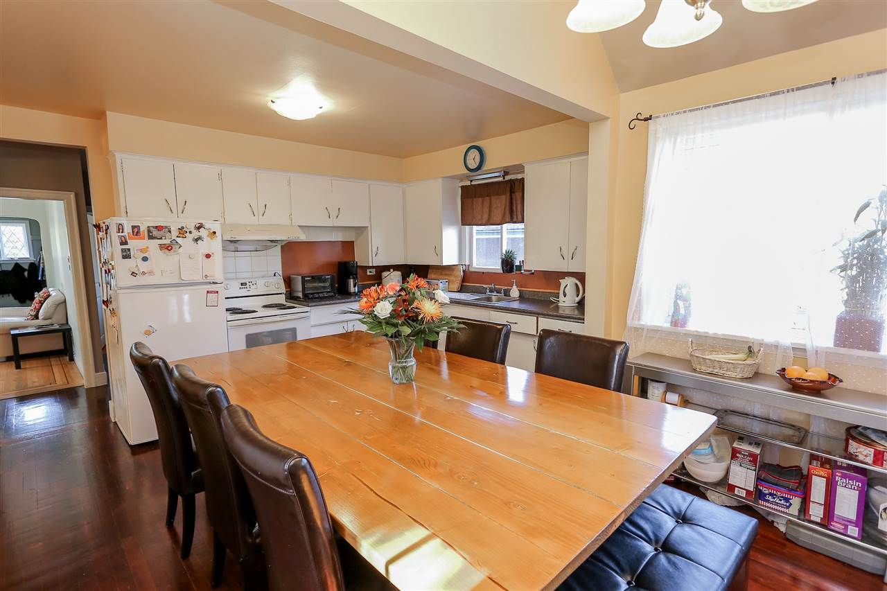 Photo 8: Photos: 4420 NANAIMO Street in Vancouver: Collingwood VE House for sale (Vancouver East)  : MLS®# R2006921