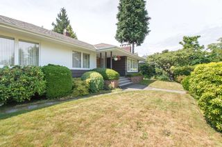 """Photo 3: 2037 ALLISON Road in Vancouver: University VW House for sale in """"UEL SOUTH"""" (Vancouver West)  : MLS®# R2100165"""