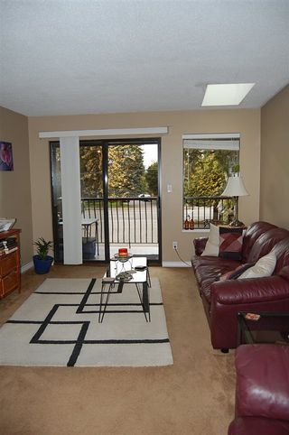 """Photo 10: 301 33450 GEORGE FERGUSON Way in Abbotsford: Central Abbotsford Condo for sale in """"VALLEY RIDGE"""" : MLS®# R2057123"""