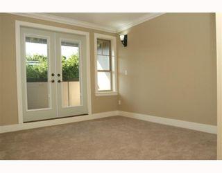 "Photo 8: 390 55TH Street in Tsawwassen: Pebble Hill 1/2 Duplex for sale in ""PEBBLE HILL"" : MLS®# V807633"