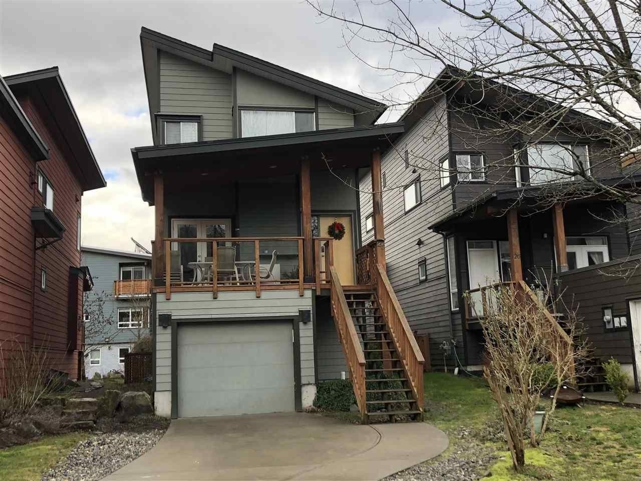 "Main Photo: 25 40137 GOVERNMENT Road in Squamish: Garibaldi Estates House for sale in ""Amblepath"" : MLS®# R2239494"