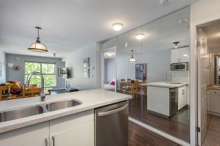 """Photo 4: 313 332 LONSDALE Avenue in North Vancouver: Lower Lonsdale Condo for sale in """"CALYPSO"""" : MLS®# R2598785"""