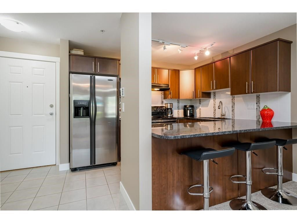 """Photo 5: Photos: 204 19366 65 Avenue in Surrey: Clayton Condo for sale in """"LIBERTY AT SOUTHLANDS"""" (Cloverdale)  : MLS®# R2591315"""