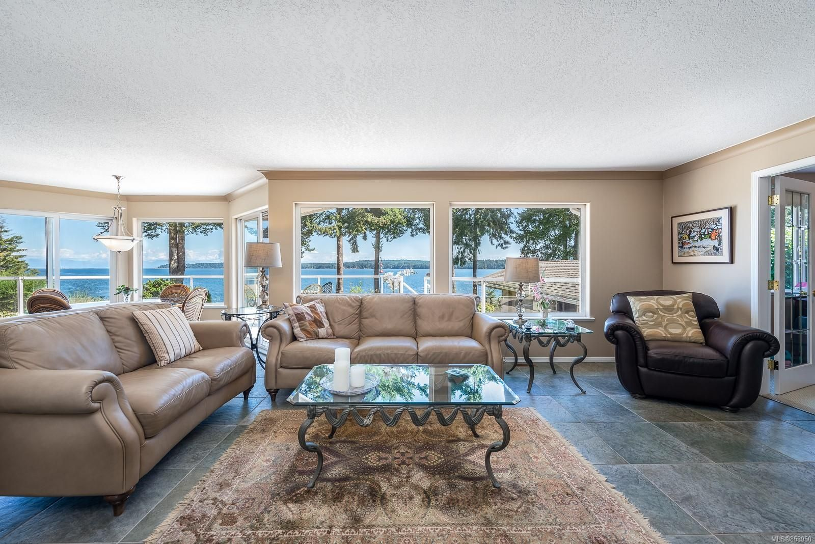 Photo 4: Photos: 5880 GARVIN Rd in : CV Union Bay/Fanny Bay House for sale (Comox Valley)  : MLS®# 853950