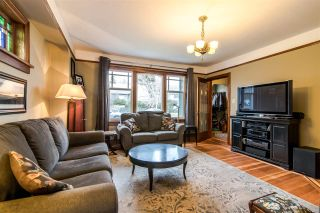 Photo 3: 1422 HAMILTON Street in New Westminster: West End NW House for sale : MLS®# R2347834