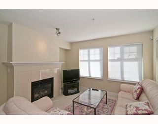 """Photo 2: 301 995 W 59th Ave in Vancouver: Marpole Condo for sale in """"Chruchill Gardens"""" (Vancouver West)  : MLS®# V812017"""