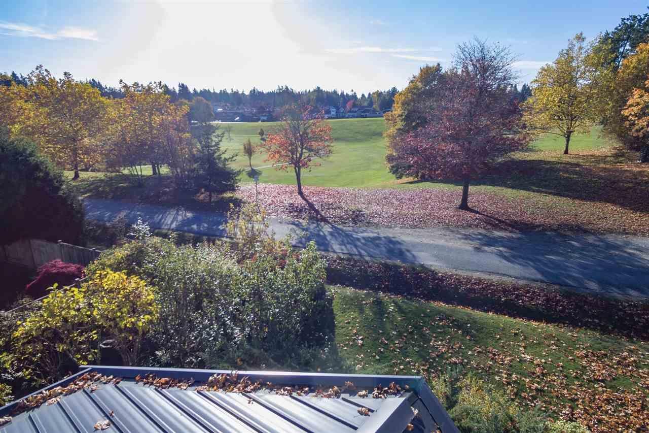 Photo 2: Photos: 208 54 STREET in Delta: Pebble Hill House for sale (Tsawwassen)  : MLS®# R2216720