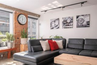 """Photo 6: 207 1066 HAMILTON Street in Vancouver: Yaletown Condo for sale in """"NEW YORKER"""" (Vancouver West)  : MLS®# R2583496"""