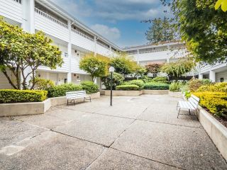 """Photo 25: 208 707 EIGHTH Street in New Westminster: Uptown NW Condo for sale in """"THE DIPLOMAT"""" : MLS®# R2625783"""