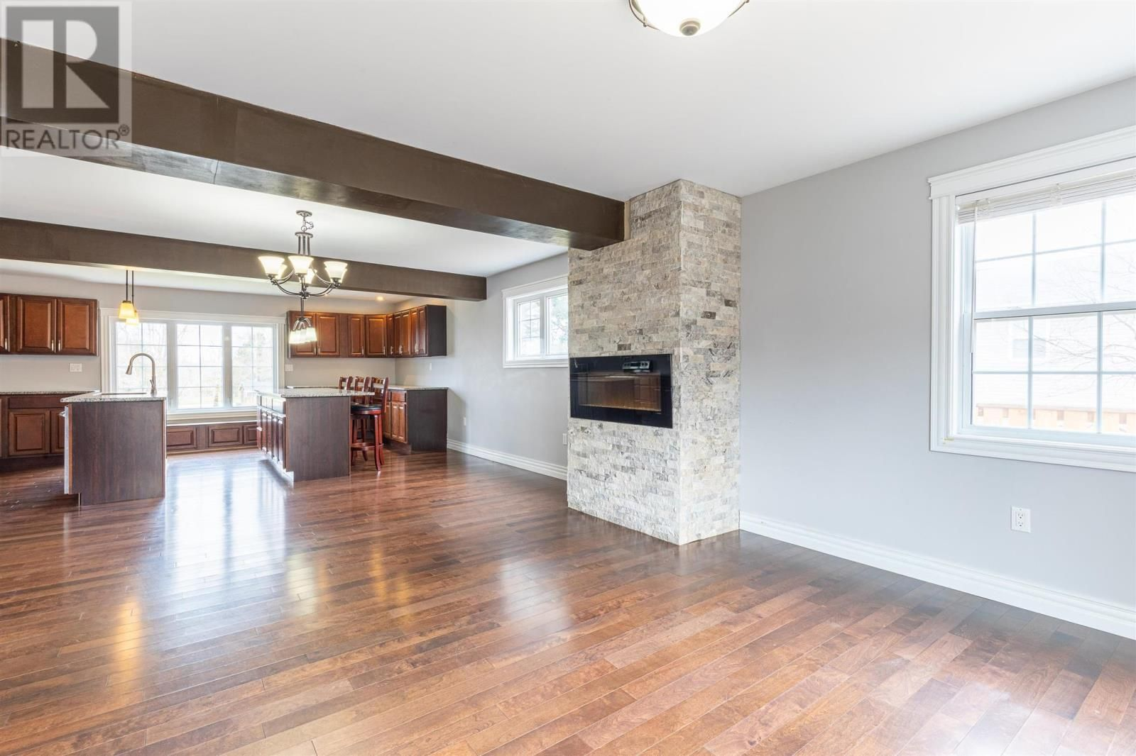 Photo 10: Photos: 5 Cherry Lane in Stratford: House for sale : MLS®# 202119303