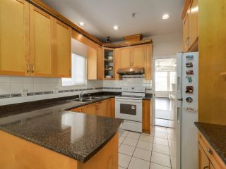Photo 8: 1125 E 61ST Avenue in Vancouver: South Vancouver House for sale (Vancouver East)  : MLS®# R2602982