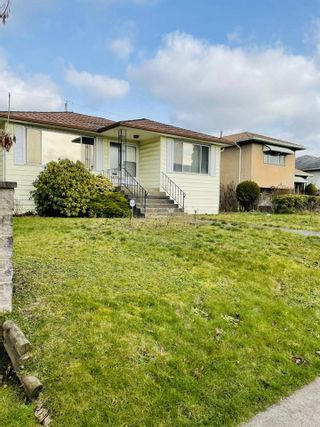"Main Photo: 1475 E 55TH Avenue in Vancouver: Killarney VE House for sale in ""SOUTH VANCOUVER"" (Vancouver East)  : MLS®# R2543222"