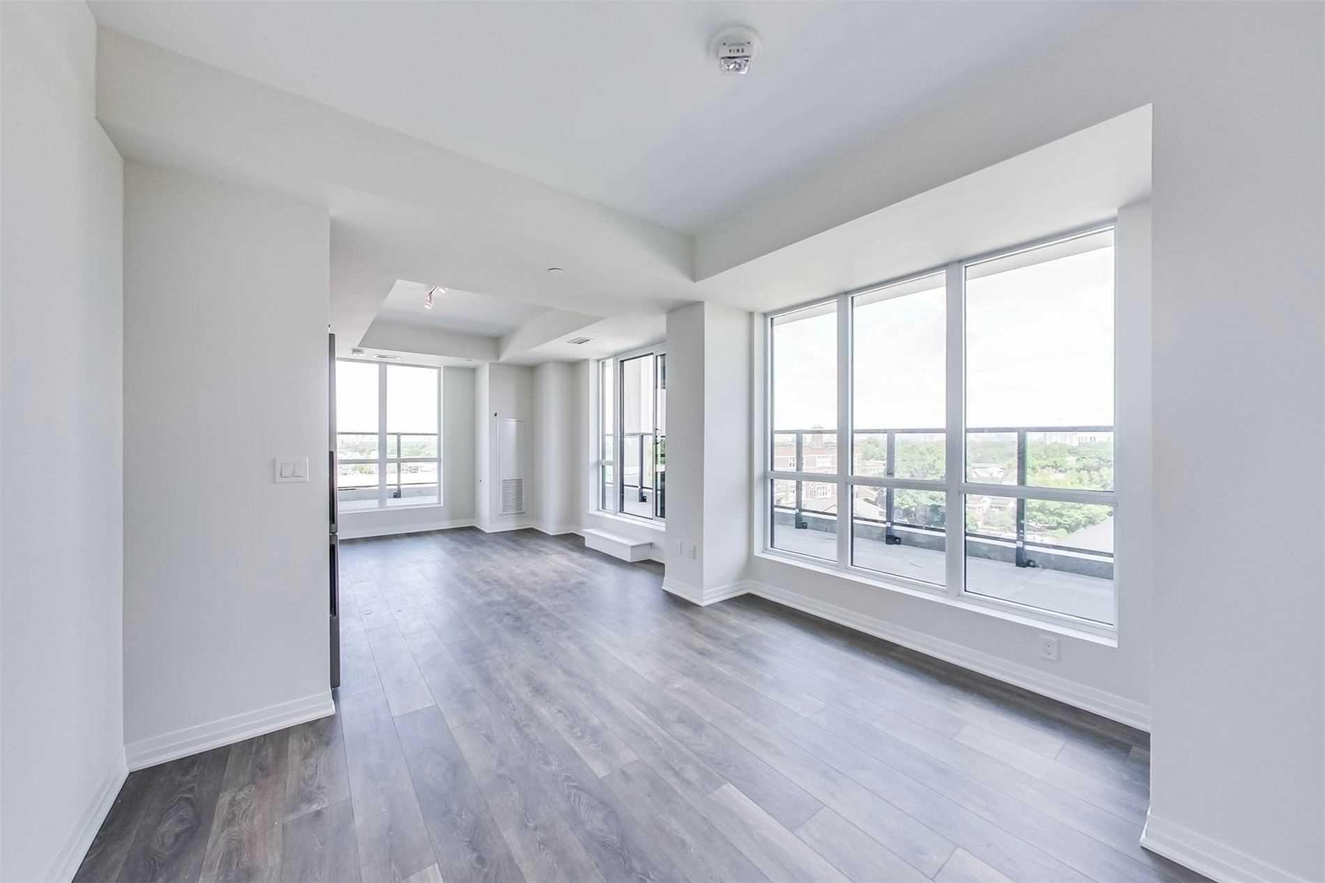 Photo 3: Photos: 711 2301 Danforth Avenue in Toronto: East End-Danforth Condo for lease (Toronto E02)  : MLS®# E4816624