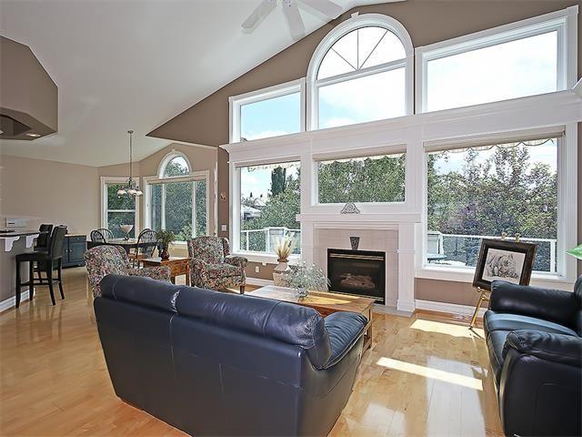 Photo 13: Photos: 315 MT DOUGLAS Court SE in Calgary: McKenzie Lake House for sale : MLS®# C4068873