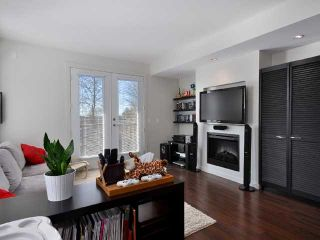 """Photo 3: 21 688 EDGAR Avenue in Coquitlam: Coquitlam West Townhouse for sale in """"GABLE"""" : MLS®# V880313"""