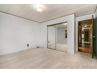 """Photo 14: 293 1840 160 Street in Surrey: King George Corridor Manufactured Home for sale in """"Breakaway Bays"""" (South Surrey White Rock)  : MLS®# R2616077"""