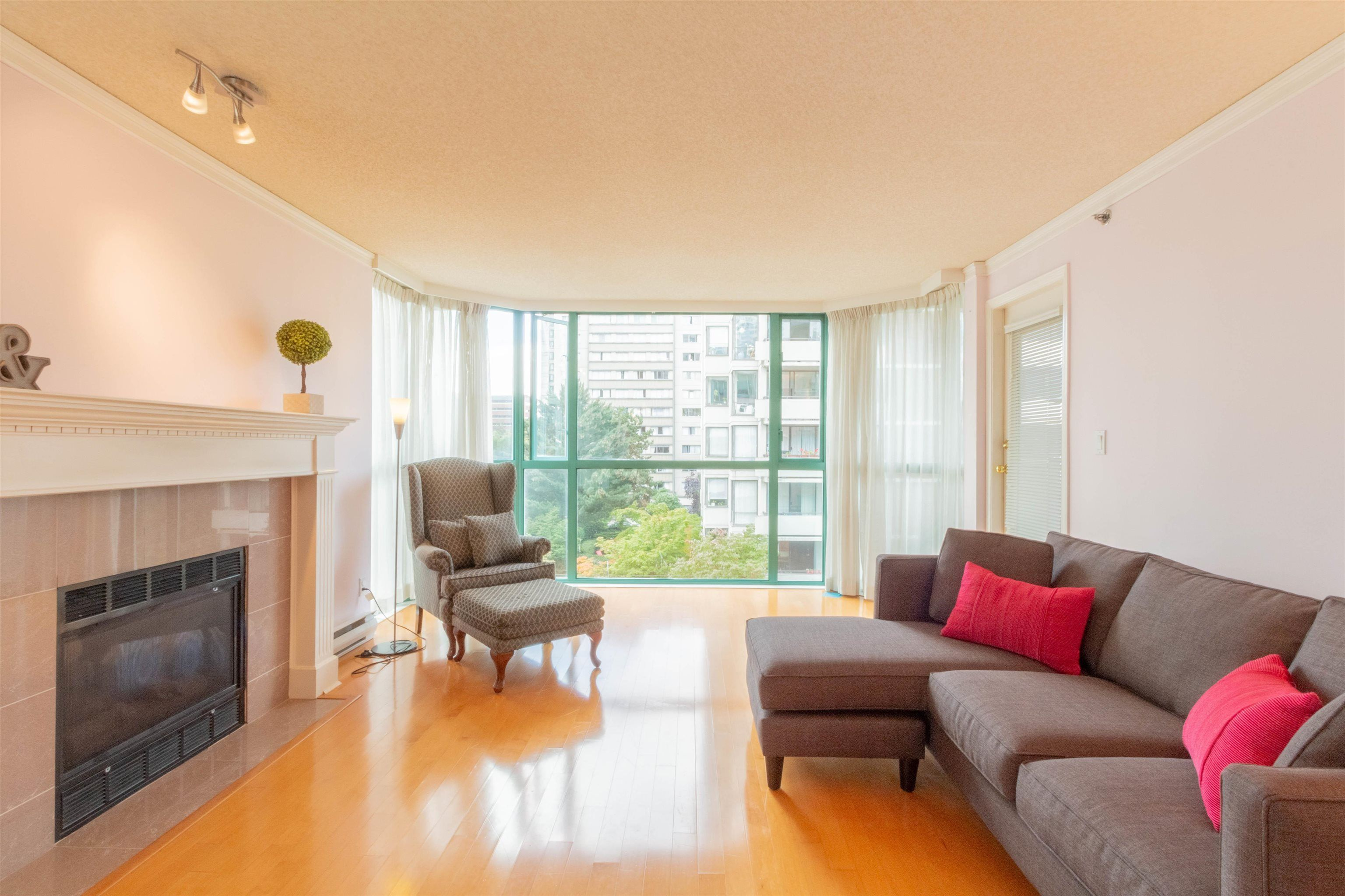 """Main Photo: 601 1132 HARO Street in Vancouver: West End VW Condo for sale in """"THE REGENT"""" (Vancouver West)  : MLS®# R2616925"""