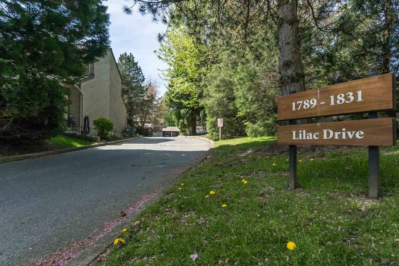 """Main Photo: 1807 LILAC Drive in Surrey: King George Corridor Townhouse for sale in """"ALDERWOOD PLACE"""" (South Surrey White Rock)  : MLS®# R2365159"""