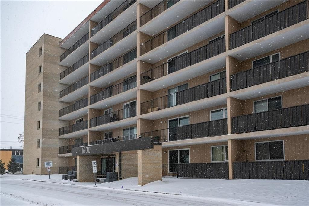 Photo 18: Photos: 309 1600 Taylor Avenue in Winnipeg: River Heights South Condominium for sale (1D)  : MLS®# 202101594