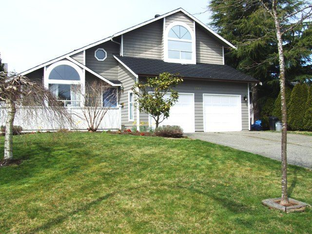 Main Photo: 2077 153 rd Street in South Surrey: Home for sale