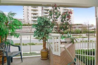 """Photo 7: 3103 33 CHESTERFIELD Place in North Vancouver: Lower Lonsdale Condo for sale in """"Harbourview Park"""" : MLS®# R2037524"""