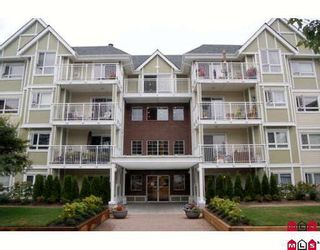 "Photo 1: 402 20189 54TH Avenue in Langley: Langley City Condo for sale in ""Catalina Gardens"" : MLS®# F2919477"
