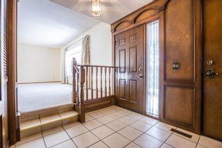 Photo 3: 32 Silver Ridge Court NW in Calgary: Silver Springs Detached for sale : MLS®# A1097094