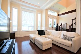 "Photo 2: 6212 NEVILLE Street in Burnaby: South Slope 1/2 Duplex for sale in ""South Slope"" (Burnaby South)  : MLS®# R2570951"
