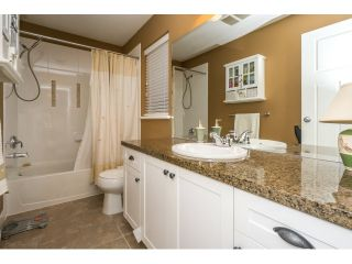 Photo 12: 7083 177A STREET in Surrey: Cloverdale BC House for sale (Cloverdale)  : MLS®# R2034691