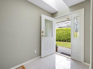 Photo 3: 5 6595 Groveland Dr in Nanaimo: Na North Nanaimo Row/Townhouse for sale : MLS®# 879937