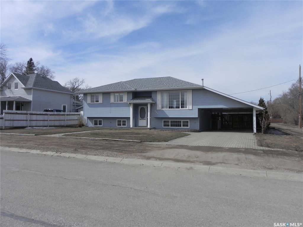 Main Photo: 603 1st Street West in Watrous: Residential for sale : MLS®# SK849108