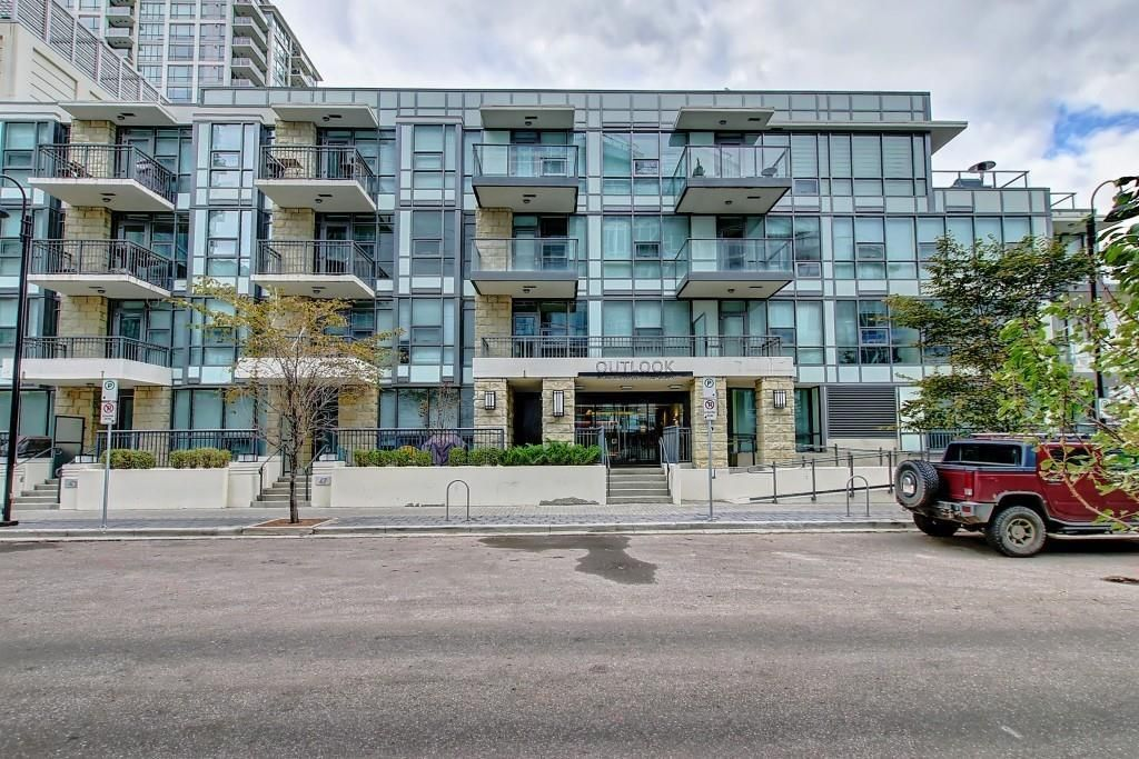 Main Photo: 114 51 WATERFRONT Mews SW in Calgary: Chinatown Apartment for sale : MLS®# C4301606