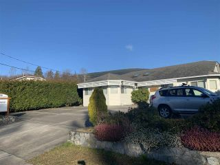 Photo 2: 818 KIWANIS Way in Gibsons: Gibsons & Area Business with Property for sale (Sunshine Coast)  : MLS®# C8036896