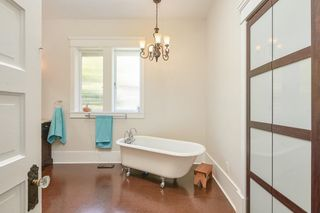 Photo 15: 311 W 14TH Street in North Vancouver: Central Lonsdale House for sale : MLS®# R2595397