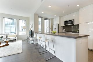 """Photo 5: 313 277 W 1 Street in North Vancouver: Lower Lonsdale Condo for sale in """"West Quay"""" : MLS®# R2252206"""