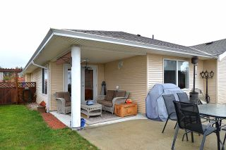 """Photo 10: 5704 EMILY Way in Sechelt: Sechelt District House for sale in """"CASCADE"""" (Sunshine Coast)  : MLS®# R2144070"""