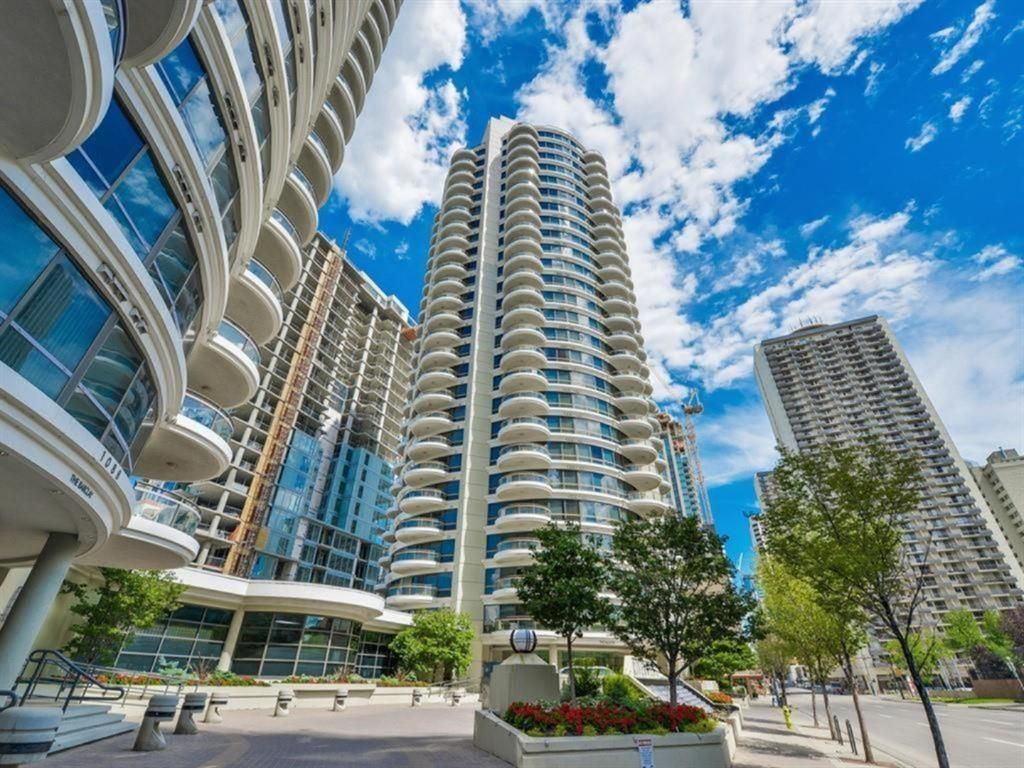Main Photo: 2102 1078 6 Avenue SW in Calgary: Downtown West End Apartment for sale : MLS®# A1115705